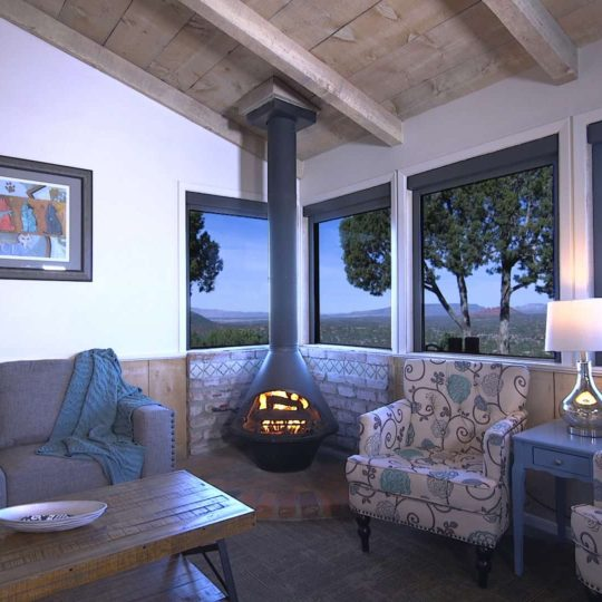 https://sedonaskyweddings.com/wp-content/uploads/2018/03/Sky-Ranch-Lodge-Suite-with-Sedona-Red-Rocks-View-540x540.jpg