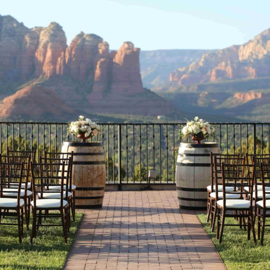 https://sedonaskyweddings.com/wp-content/uploads/2018/07/Wedding-Venue-with-View-in-Sedona-Resort-540x540.jpg