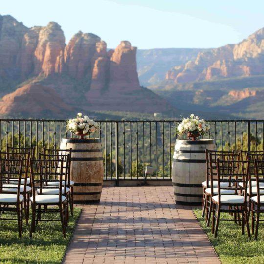 https://sedonaskyweddings.com/wp-content/uploads/2018/07/Wedding-Venue-with-View-in-Sedona-Resort-540x540.jpg