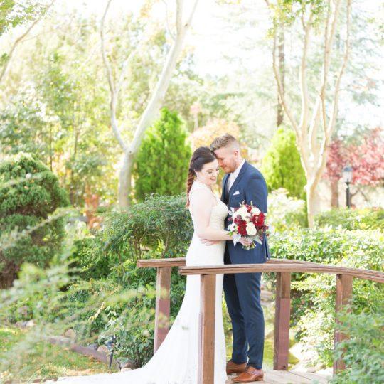https://sedonaskyweddings.com/wp-content/uploads/2019/02/Angie-Ryan-Wedding-0023-540x540.jpg